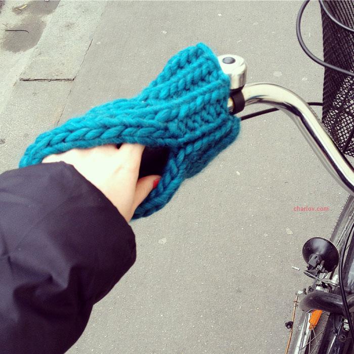 Tricoter des moufles de guidon vélo au tricot