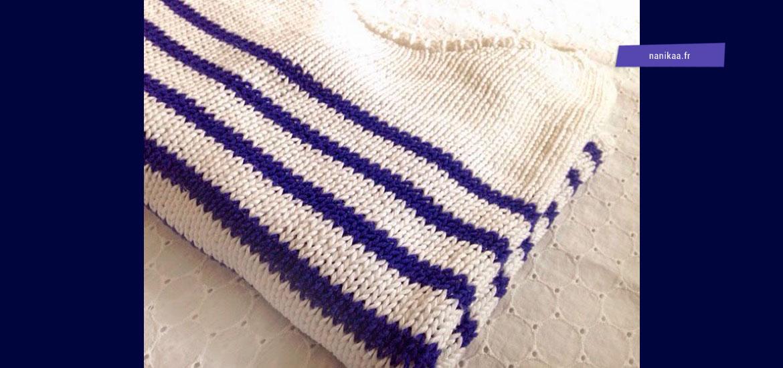 Tricoter un pull marin femme rayé bicolore