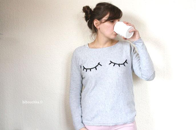 Tutoriel gratuit pour customiser un vieux pull avec des yeux bordés