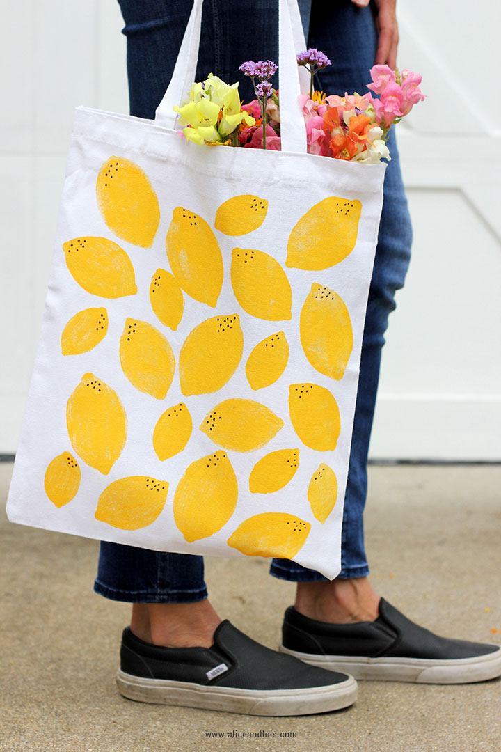 DIY customisation facile personnaliser un tote bag avec de la peinture pour tissu