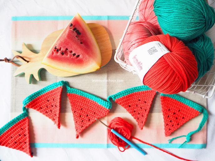 Crochet tutoriel simple pour réaliser une guirlande fanions pour l'été